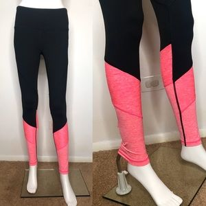 Victoria's Secret Knockout Black & Pink Leggings